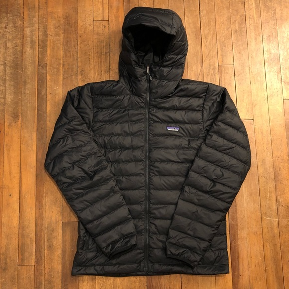 Patagonia Men's Down Sweater Hoody (Black)